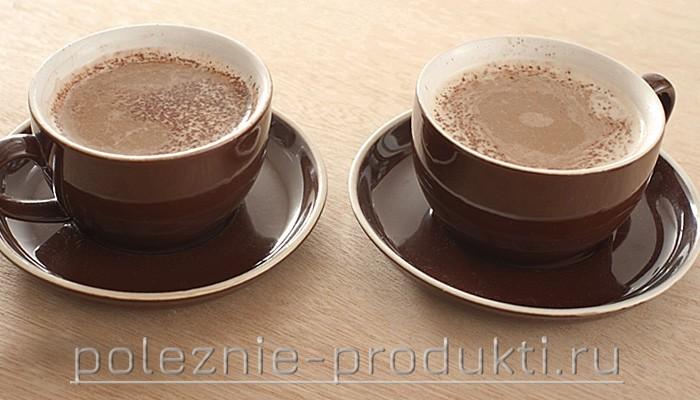 Напиток какао в чашках