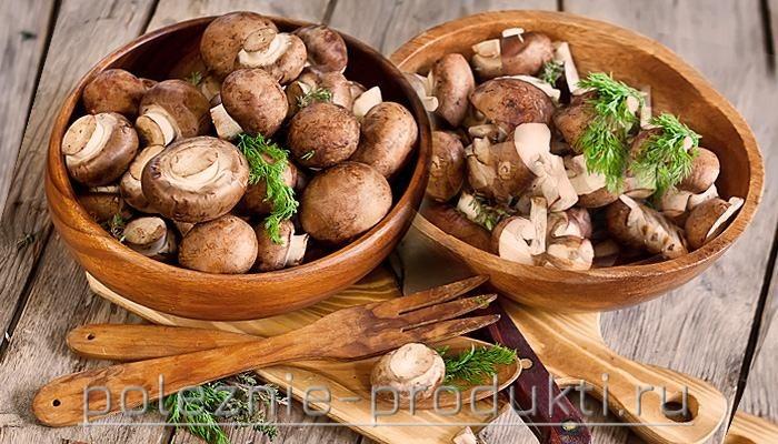 Свежие грибы шампиньоны