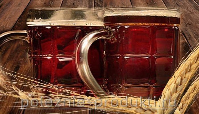 Свежий разливной квас в бокалах